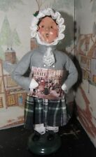 BYERS CHOICE Girl with Advent Day Calender  *