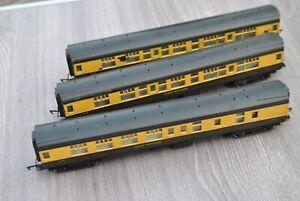 00 gauge Rake of 3 Hornby Great Western Coaches - Black Roofs