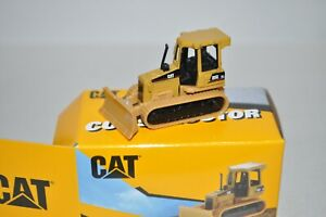 HO scale Die Cast Masters Construction Vehicle CAT Caterpillar bulldozer D5G