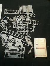 Maquette plastique 1 /72 ZIS 6X4 camion citerne BZ 35 URSS fabricant AER MOLDOVA