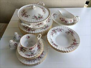 Royal Albert Bone China 60 piece Lavender Rose Dinner Service Free Postage !!
