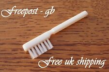 TOP QUALITY STYLUS / RECORD PLAYER NEEDLE CLEANING BRUSH - NEW - SOFT & GENTLE