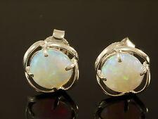 Echter Edelsteine-Ohrschmuck im Ohrstecker-Stil aus Sterlingsilber mit Opal