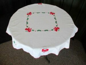 """Christmas Tablecloth decorated with bows, holly & berries - 32""""dia.."""