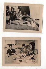2 PHOTOS ANCIENNES Journal Revue féminine 1951 Jeunes Plage Lecture Lecteur