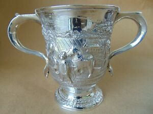STUNNING GEORGE II STERLING SILVER CREST LOVING CUP 1758, WITH PLOUGHING SCENE