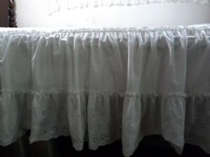 Bed Skirt / Bed Cover Double Ruffled Eyelet Lace white Twin