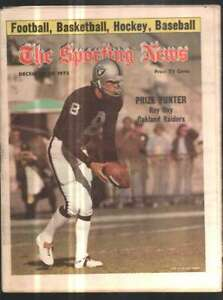 The Sporting News Newspaper Dec 27, 1975 Prize Punter Ray Guy