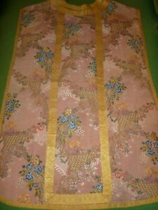 Fantastic 18th century chasuble, amazing silk damask with gorgeous colours