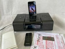 Apple iPod A1318 itouch 3rd Generation Black (32 GB) + iHome iA9 Home System