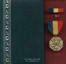 US Navy Marine Corps USMC medal for Heroism in case with ribbon bar and lape pin