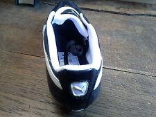 Chaussures de foot enfants Puma Taille 36 neuve