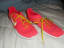 Ladies Nike TFree TR Fit Pink Running Shoes #429785-602 Size 10 Used