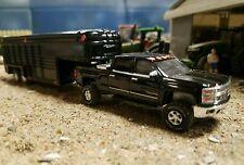 ☆SPECIAL☆ CUSTOM gooseneck livestock trailer & CHEVY truck 4x4 1/64 scaleDCPfarm