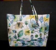 61a825c7d345 GUESS Floral Bags   Handbags for Women