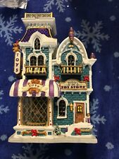"2002 Lemax  "" ROBIN'S TOY STORE "" Porcelain  2 3D Windows Coventry Cove Lighted"