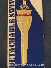 PONTIAC GOLD ARROW CREST KEY BLANK B50 P1098C + VTG KEYCHAIN + HANG TAG 1972-90