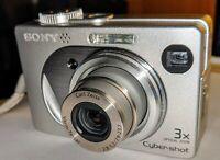 Sony 3x Cybershot Camera w/Case DSC-W1 5.1MP MPEGMovie VX Smart Zoom - Silver