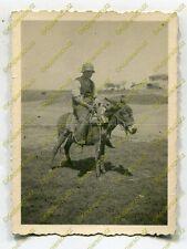 Foto, Wehrmacht, Soldat auf einem Esel bei Larisa, Griechenland (W)1850