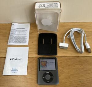 Apple iPod Nano A1236 3rd Generation 8GB in Black + Box Paperwork Fully working