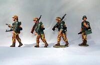 King & Country WSS008 - Officer and 3 Panzer Grenadiers