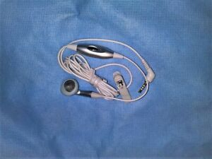 Brand NEW OEM Samsung AEP131SLE 2.5mm SCH C225 White In-Ear Headsets