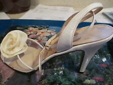 Salvator Ferragamo women shoes S 7 AAA  cream with flower