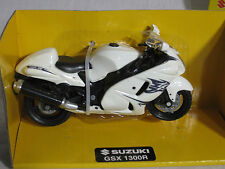 New Ray 1/18 Suzuki GSX 1300R Sport Street Bike Motorcycle WHITE