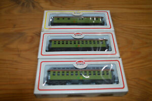 3 HO MODEL POWER DICKENS RAILROAD OT PASSENGER CARS: BAGGAGE & 2 COACHES IN OB