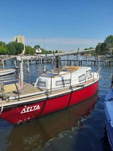 Kajütsegelboot 8m lang, 2,60m breit, Tiefgang 0,80m