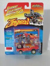 Johnny Lightning 1:64 Pontiac GTO (Zingers) 1973 hot red JLSF014B Brand new