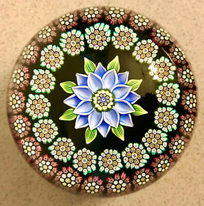 Peter McDougall Paperweight 2011 Central Lamp work Flower - Beautiful !