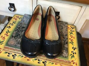 Clarks Unstructured Black Leather Wedge heel Women's Slip On Shoes size 8M