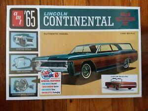 "Papercraft Car ""EZU-make"" 1977 Lincoln Mark V Bill Blass Edtion Paper Model"