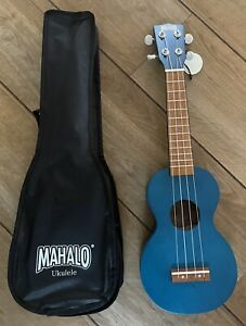 Mahalo Kahiko Ukulele With Aquila Strings Trans Blue