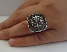 VINTAGE DESIGN RING W/ .25 CT ACCENTS & WHITE ENAMEL/ SZ 5-9 / STERLING SILVER