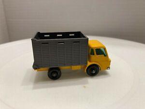 Matchbox # 37 Cattle Truck EXCELLENT CONDITION NO CATTLE NO BOX