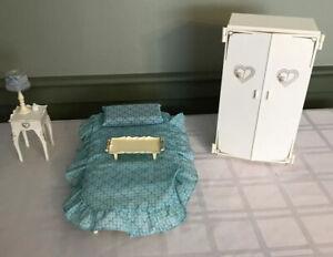 Vintage Sindy Bedroom Set - Bed, Wardrobe & Nightstand