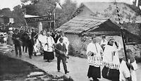 Dorfprozessin an Fronleihnam in Tirol - Ort (?) - um 1920        Z 26-30