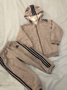 Boys Adidas Tracksuit Age 2-3years