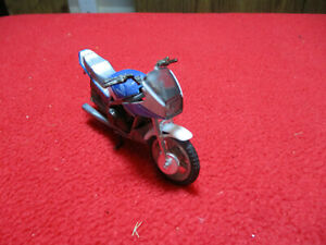 "Honda V45 Interceptor Blue & White Die Cast 1/32 Scale Motorcycle 3 1/4"" Long"