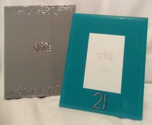 """Green Photo Frame - 21 Design - 4""""X 6"""" - Brand New And Boxed"""