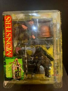 Todd McFarlane's Monsters Hunchback Playset (McFarlane, 1997) Figures, New