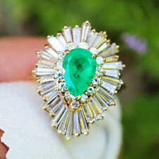 Vintage Pear Emerald Ballerina Ring with Diamonds in 18kt Gold 5.40ctw