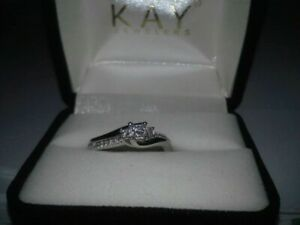 Women's Diamond Engagement Ring Size 6