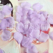 Pétales violets pour le mariage