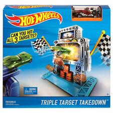 Hot Wheels TRIPLE TARGET TAKEDOWN Track Set by Mattel (DJN39) with La Fasta Car