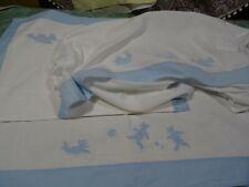 lot=anciens ensemble draps et housse de coussin  bébé  ,les poules et nounours