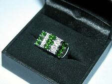 LOT 466 STUNNING RUSSIAN CHROME DIOPSIDE + WHITE TOPAZ SILVER RING - SIZE N 1/2
