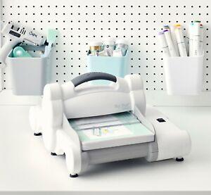 Sizzix Big Shot Express Machine 660540 Retail $229.99 Electric, accessories